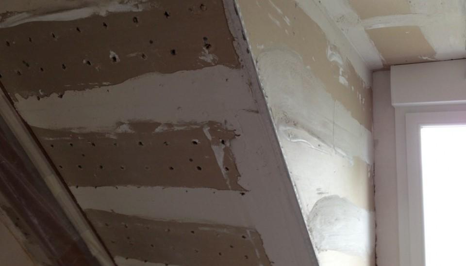 plafond rampant en perfoplaques enduire au pl tre artisan pl trier plaquiste bouguenais et. Black Bedroom Furniture Sets. Home Design Ideas